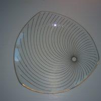 Kolmikulmainen lasiasetti