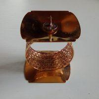 Tsaikka kynttilänjalka, kullan värinen