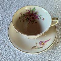 Maire kahvikuppi tasseineen, Arabia AX malli